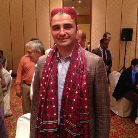 Ali Turk in Sindhi attire.